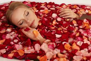 幸福感护肤 | 功效颜值都在线的夏日美妆成分――甜甜玫瑰