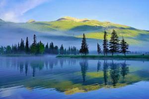 上榜《国家地理》最美湖泊 这儿最适合夏天旅拍