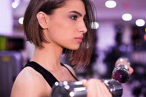就算毛孔堵塞 也无法阻止女性对带妆运动的坚持