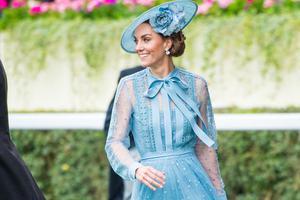 皇室时尚杠把子 和凯特王妃学穿同色系穿搭