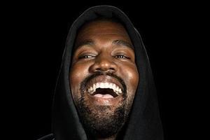 "Kanye West|福布斯富豪榜第三 他的""椰子鞋""红了10年"