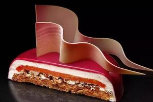 乌克兰美女建筑师辞职做蛋糕 惊艳全世界!