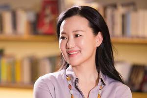 49岁的咏梅|演活了黄磊的邻居,是众人理想中的母亲
