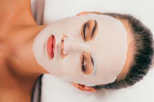 变美tips 敷睡眠面膜前需要涂护肤品吗?