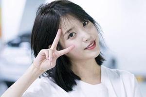 """秋天发型推荐 韩国女星都在用""""锁骨剪""""遮肉脸"""