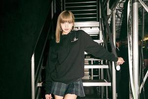 Lisa泫雅都爱穿坏女孩风格