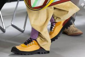2020年除了老爹鞋还流行什么