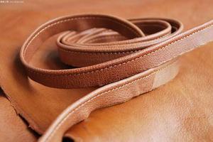 挑选一条舒适的皮表带 给你的腕表换个装吧