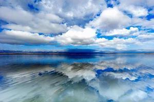 中国茶卡盐湖被日本节目报道 天空之境令人陶醉