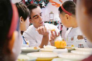 """王府半岛酒店儿童主题活动 """"圣诞树传说""""及周末圣诞点灯活动"""