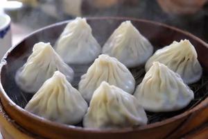 据说在江苏无锡吃一天 连声音都能变甜