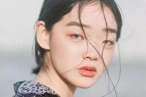Duan Mei Yue | 365度全是死角 但她依然走红时尚圈