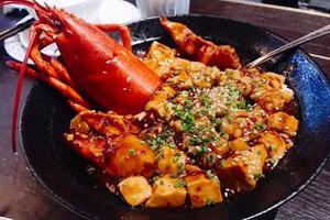龙虾一只这么贵 怎么吃才不算浪费?