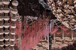 这是什么神仙婚礼设计 每个都像艺术展