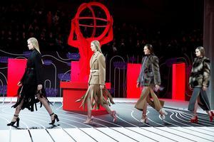 时装粥|米兰秀场不仅有金灿灿的LISA 还有肥瘦相间火腿肉