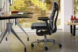 在家办公可能变常态?赶紧把办公区布置起来