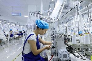 衣服难卖 中国服装协会等联名呼吁各国政府支持纺织品行业