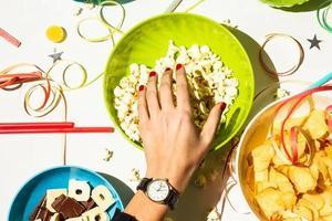 谁说减脂期不能吃零食?营养师说这些可以吃