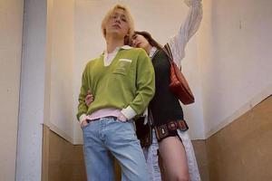 金泫雅和男友甜蜜出街 这才是情侣look的正确打开方式