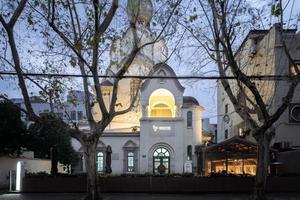 30位工人80天改建上海失修教堂 文艺到了骨子里