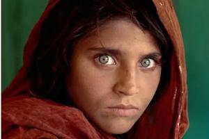 因一双眼睛被评为十大最美女孩 而她只希望不再有战争苦难