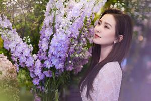 33岁刘诗诗产后复出 归来仍是白到透明的少女?