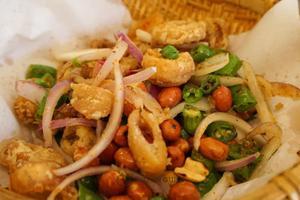 """脂肪爆炸的""""硬菜""""内脏美食 上海这几家快收好"""