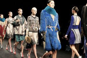 尽管抗议声不断 但米兰时装周负责人表示并不打算缩减日程