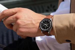 手表价格越贵越好?这些挑表细节你要get