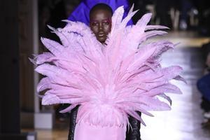 2020必定是数字化的一年 巴黎高定时装周也宣布线上举办