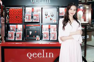 Qeelin代言人刘诗诗现身Powerful Love主题装置展 飘逸长裙缀以经典Wulu系列珠宝