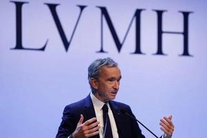 LV老板身价一日大涨24亿美元 重返全球第三大富豪宝座