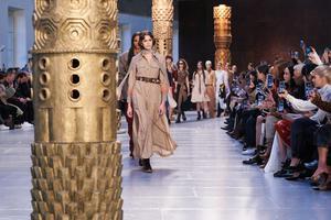 巴黎时装周将举办19场线下秀 看秀嘉宾限定为以往20%至25%