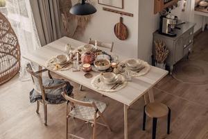 原木家居和暖色调 也许是秋天最温暖的打开方式