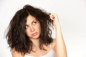 """你的头发会""""发光""""吗?教你头皮和发梢处的养护"""