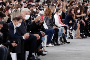 巴黎警方宣布今年时装周将禁止观众入场