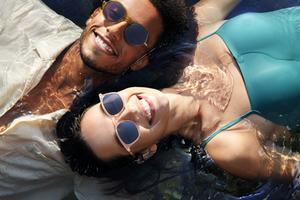演绎自然变化 IZIPIZI Glazed Ice系列眼镜全新上市