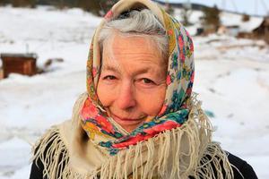 80岁奶奶与冰雪相伴独居贝加尔湖畔 她才是真正的冰雪女王