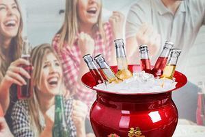 搪瓷痰盂在海外卖爆了 因为它被开发出了一个新功能