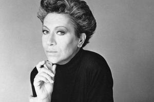 Tiffany 传奇珠宝设计师 Elsa Peretti 去世 享年80岁