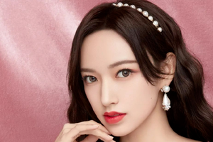 当齐刘海美女露出额头 还是美女吗?