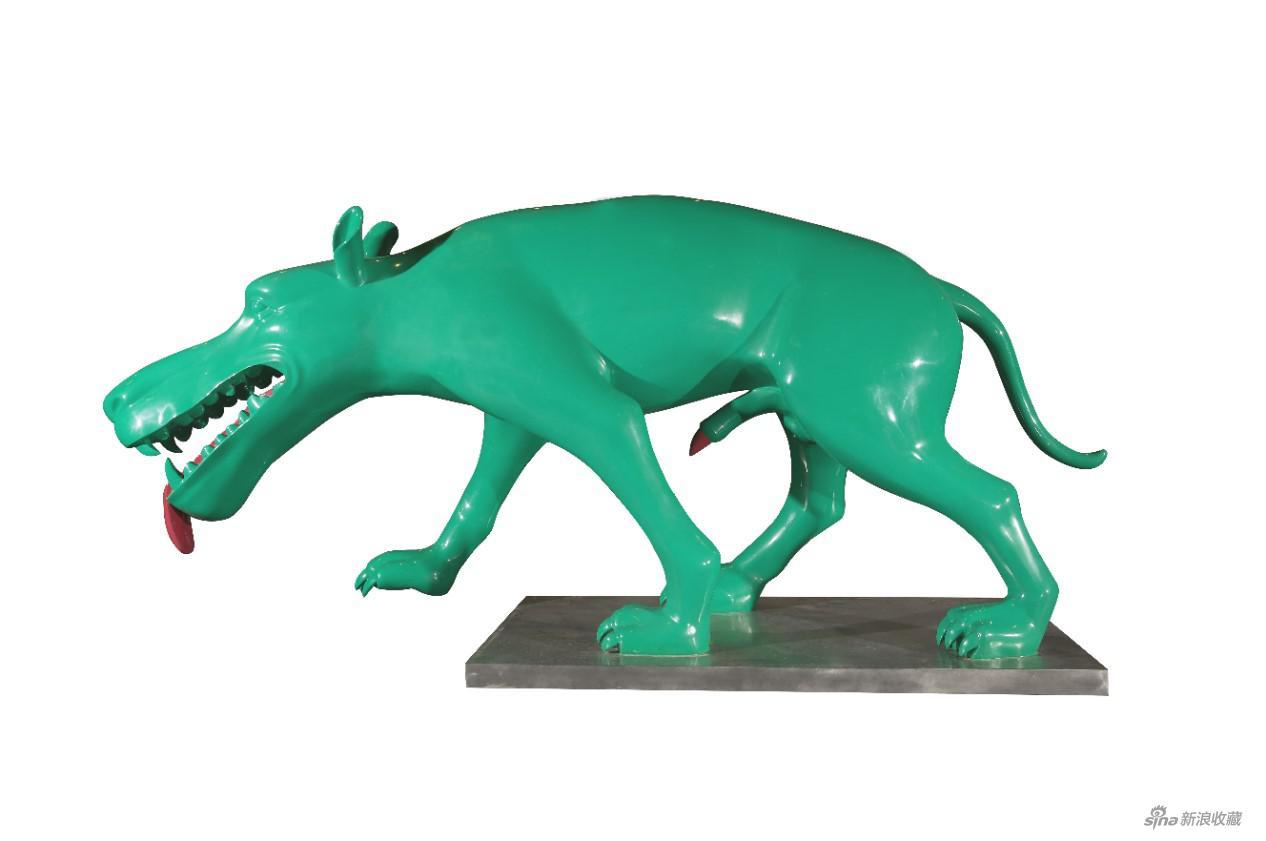 周春芽 绿狗 2007年作 410 × 113 × 181 cm 不锈钢、烤漆