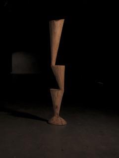 《不平衡的稳定NO.2》 樟木│121x37x37cm│2019
