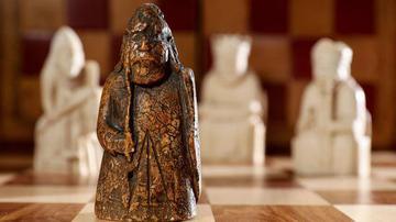 一枚失落了近200年的西洋棋?#21491;?#22806;重现