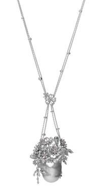 Praise to Nature 18K白金白南洋珍珠(巴洛克珍珠)、日本Akoya珍珠项链配钻石 RMB 2,500,000