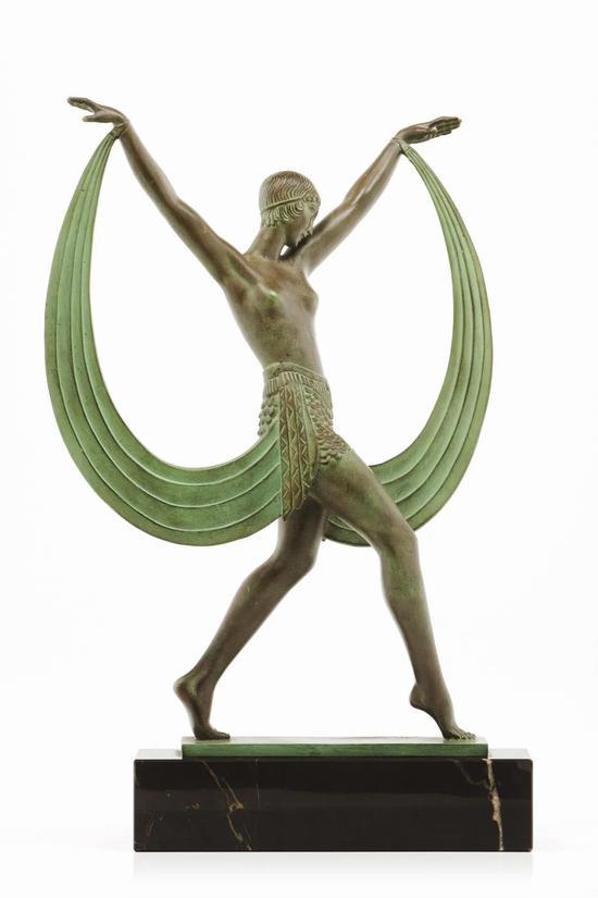 华丽之眼   皮埃尔·勒法格斯   莱希斯   青铜着色,黑色花斑纹大理石底座   41.5cm高   约1928年