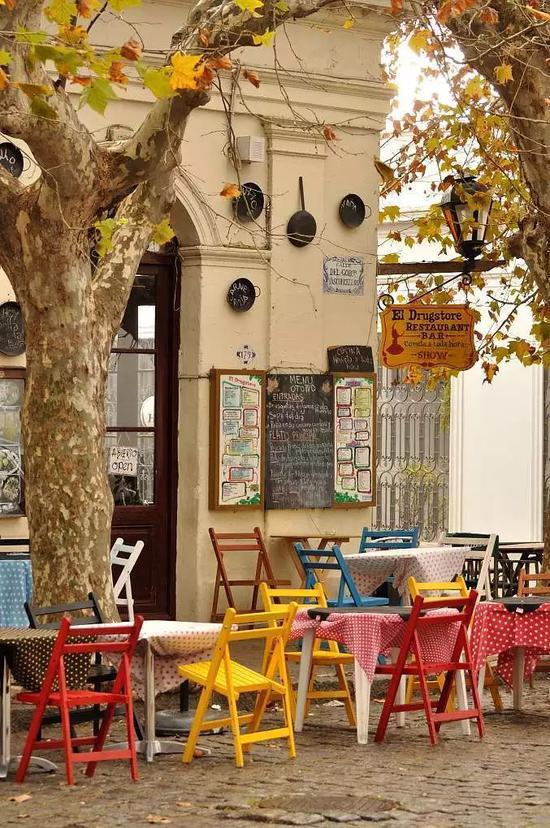 整个小镇是葡萄牙、西班牙和已经成为历史的殖民地时代建筑风格的完美融合