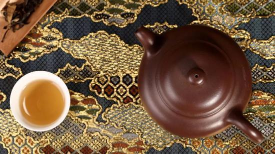 茶壶以砂者为上