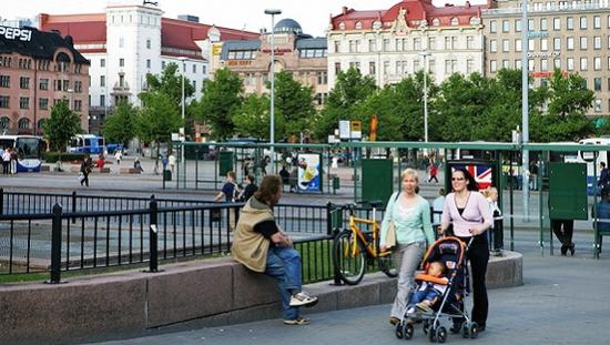 芬兰赫尔辛基街景。图片来源:视觉中国