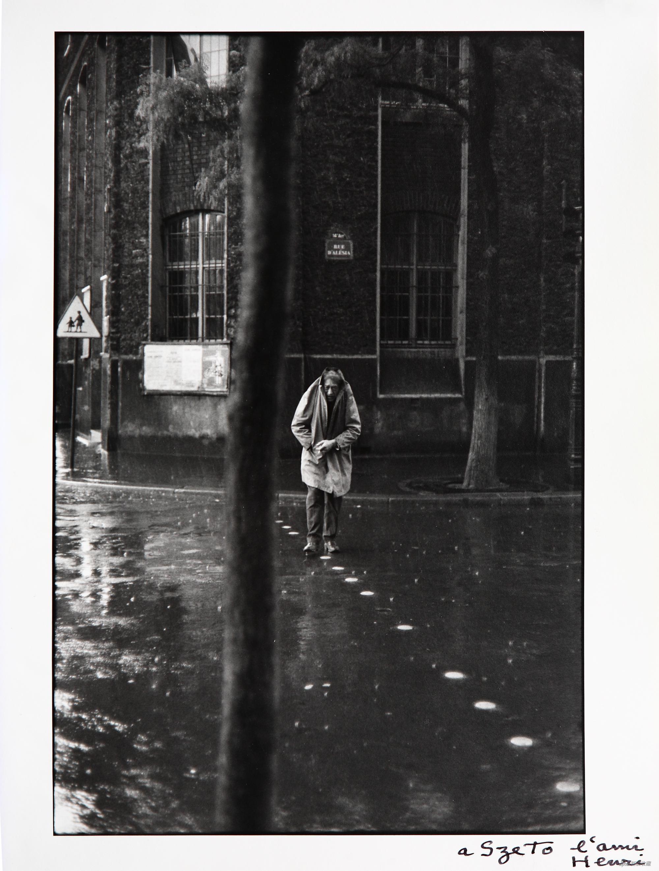 穿过街道的贾科梅蒂,亨利·卡蒂埃 - 布列松,摄影,27.8×18.5cm,1961